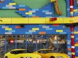 Дизайнеры Lego построили Toyota GR Supra в натуральную величину, и на ней даже можно ездить.