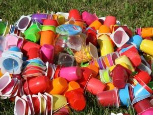 """""""АК+"""" выясняла, как запрет на пластиковую посуду скажется на Эстонии"""