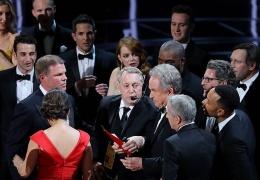 """""""Оскар 2017"""": на церемонии ошибочно почтили память живого продюсера"""