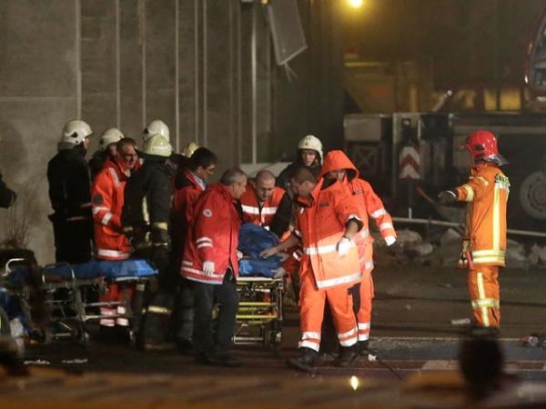 Больницы Риги помогут пострадавшим при обрушении магазина Maxima бесплатно, эксперты ищут причины катастрофы