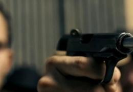 Неизвестные мужчины с пистолетом напугали молодых людей в Нарве