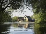 Дом в уединённой лагуне в Англии