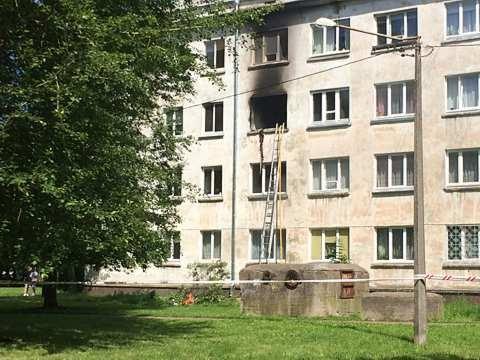 В Нарве в результате взрыва в квартире пострадал один человек