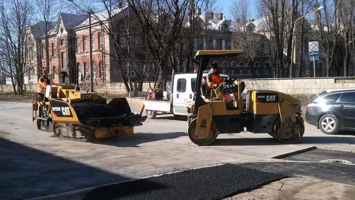 В Нарве начался ремонт дорог