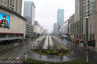 Ключевым заводам в китайском Ухане разрешили возобновить работу