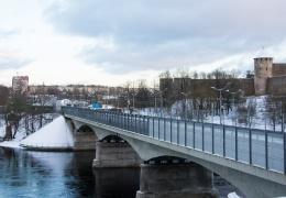 Министерство: отсрочка реконструкции моста в Нарве ставит под угрозу сообщение с Россией
