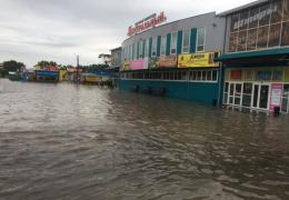 Уссурийск затопило после прорыва дамбы