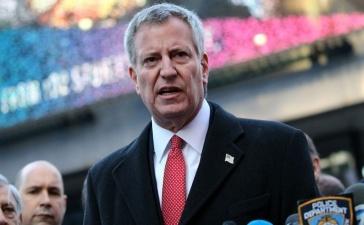 Мэр Нью-Йорка призвал горожан не выходить на улицу из-за холода в -8