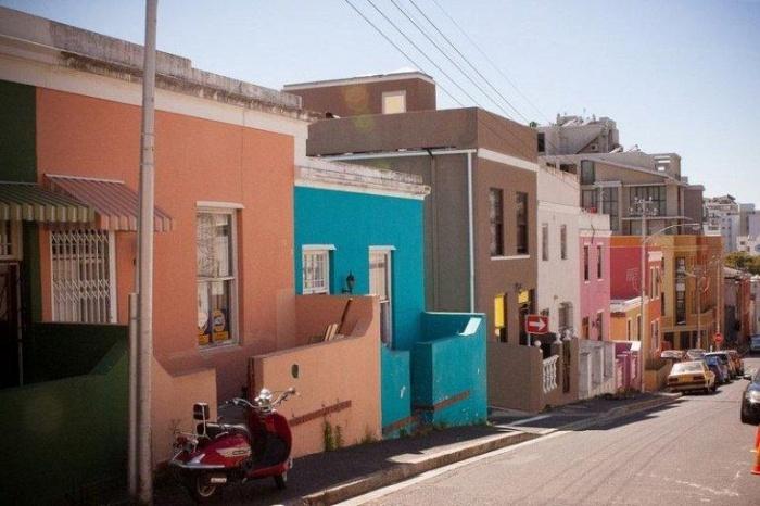 Яркость одного из кварталов Кейптауна