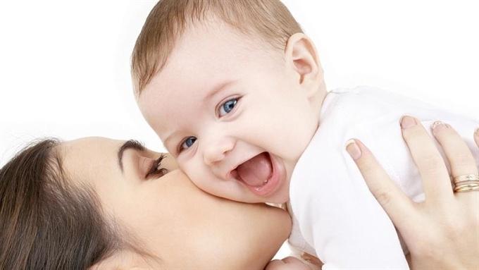 """Пособие по рождению ребенка в Нарве предлагают поднять до уровня """"минималки"""""""