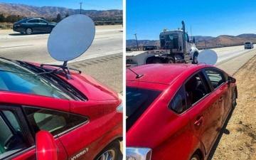 Водитель Toyota Prius, пойманный на шоссе с тарелкой Starlink на капоте, сказал, что ему нужен интернет в дороге