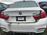 На стоянке в Канаде стоит три тысячи новеньких, но непригодных для эксплуатации BMW и MINI