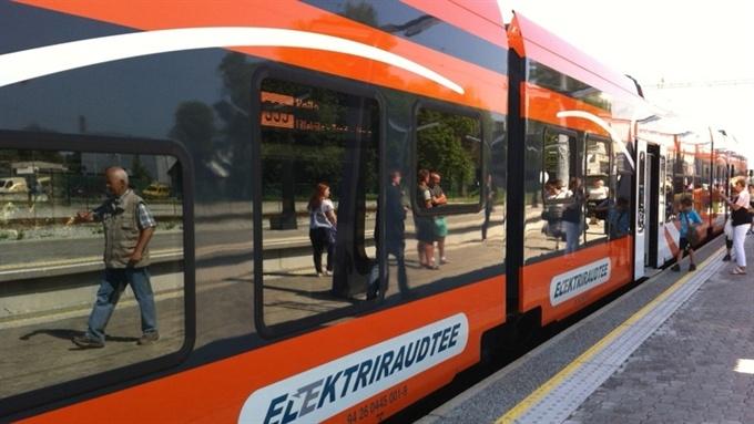 Elron: новые поезда увеличат число пассажиров на маршруте Таллинн-Нарва