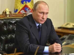 """Катастрофа А321: поступает все больше сообщений о взрыве, Путин - """"запугать Россию не удастся"""""""