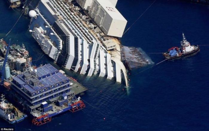 Началась активная фаза в операции по подъему круизного лайнера Коста Конкордия