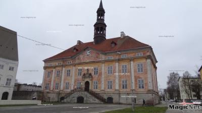 Пустующая 20 лет Нарвская ратуша готовится к реконструкции