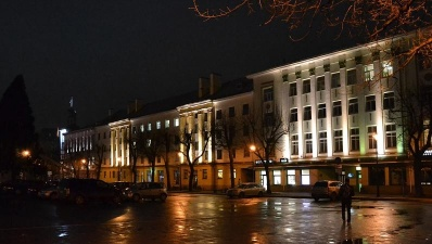 Бюрократическая система Нарвы сильно сократится за счет служащих среднего звена
