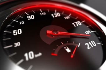 В Эстонии превысивших скорость водителей будут останавливать на 45 минут