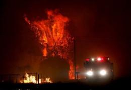 В Казахстане из-за взрывов на военной базе эвакуируют население