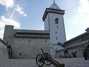 ВИДЕО: о чем рассказывает отреставрированный Нарвский замок