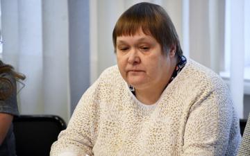Лариса Оленина: зарплата Ирины Янович не связана с оценкой ее работы