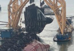 Как утилизируют затонувший корабль-автовоз