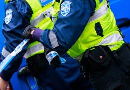 В Нарве пьяная женщина напала на полицейского