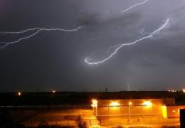 Погода, что ты делаешь, прекрати: синоптики снова предупреждают о грозах почти по всей Эстонии