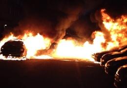 Во вторник ночью в Нарве подожгли автомобили