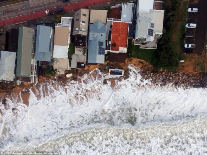 Сильнейший зимний шторм затопил Сидней