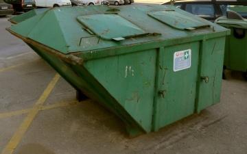 Неизвестные подожгли в Нарве четыре мусорных контейнера