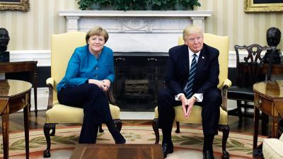 Трамп отказался пожать руку Меркель в Белом доме