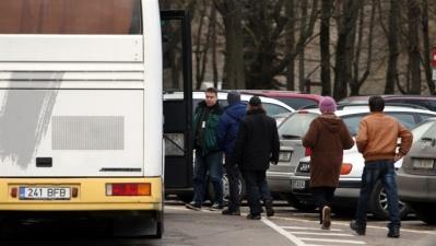 В Нарве автобус сбил девочку