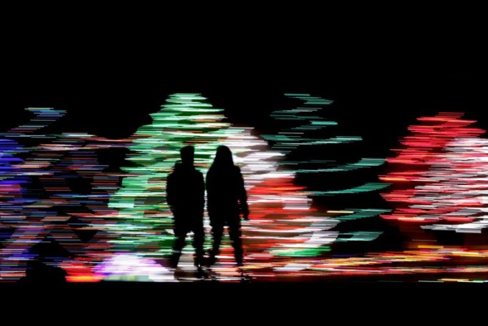 Рождественские и новогодние огни на улицах городов мира