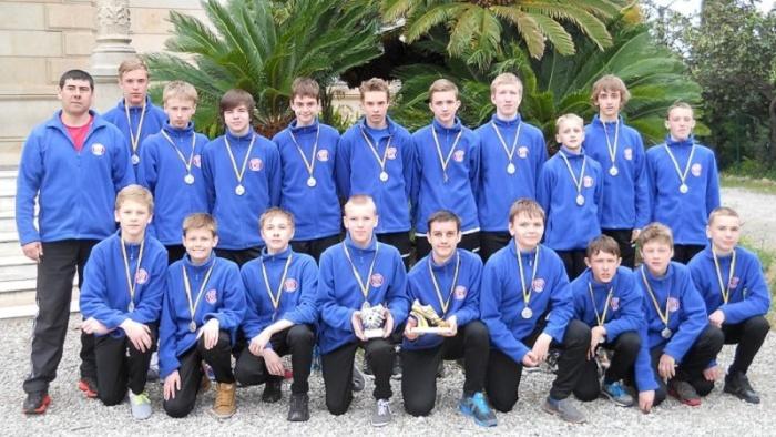 Юные нарвские футболисты вернулись из Барселоны с медалями
