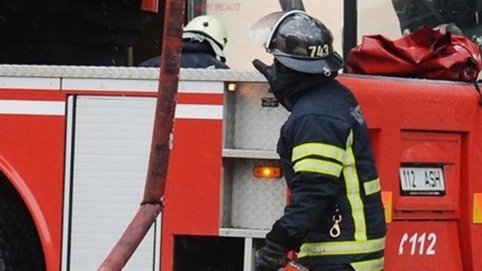 В Нарве при пожаре мужчина отравился угарным газом