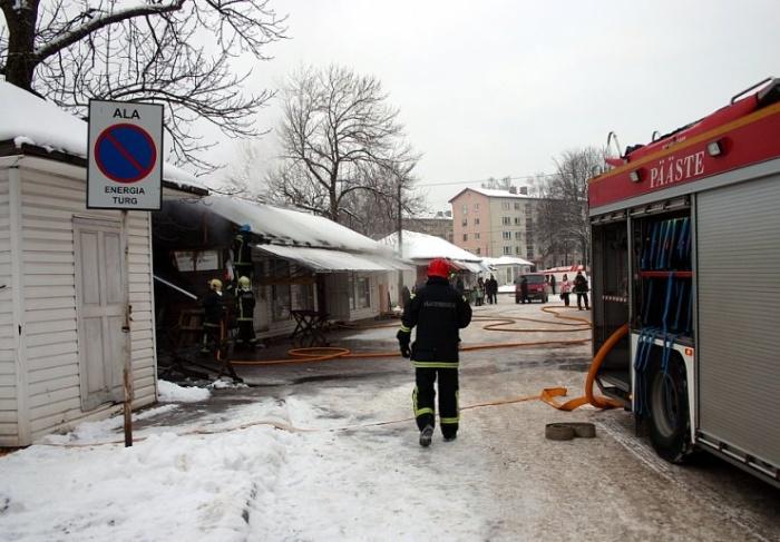 В Нарве сгорел рынок