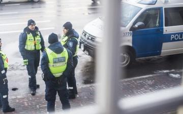 Необоснованно применивший силу нарвский полицейский признан виновным и в окружном суде