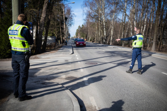В волости Канепи поймали пытавшегося скрыться от полиции на автомобиле пьяного пограничника