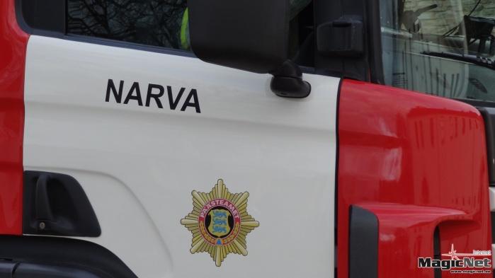 В Нарве из горящей квартиры спасли мужчину