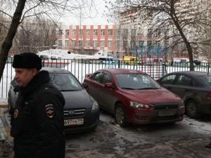 В московской школе N263 подросток удерживал класс в заложниках, застрелив полицейского и учителя