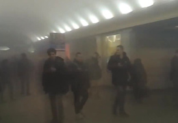 Песков доложил Путину о взрыве в петербургском метрополитене