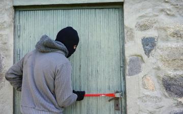 Нарва и Кохтла-Ярве вошли в первую пятерку городов по числу квартирных краж