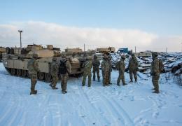 В Эстонию прибыла тяжелая техника нового подразделения из США