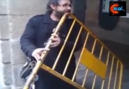 Смешные видео. Приколы. Необычные народные музыкальные инструменты - Folk Musical Instruments