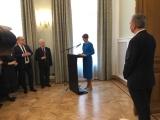 ФОТО: президент Кальюлайд прибыла в здание посольства Эстонии в Москве
