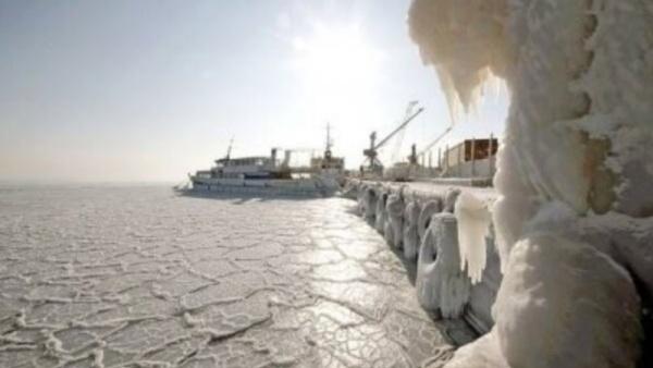 Около болгарского города Бургас впервые с 1954 года замерзло Черное море