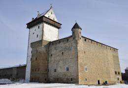 Нарвский замок вновь открыл свои двери для одиночных туристов