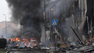 В Милане частный самолет врезался в дом, восемь погибших