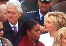 Пользователи посмеялись над Хиллари Клинтон, сверлящей взглядом мужа